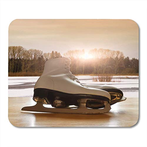 """AOHOT Mauspads Winter Ice Skates on Wooden Table Against Frozen Lake Landscape Sport Figure Mouse pad 9.5\"""" x 7.9\"""" for Notebooks,Desktop Computers Accessories Mini Office Supplies Mouse Mats"""