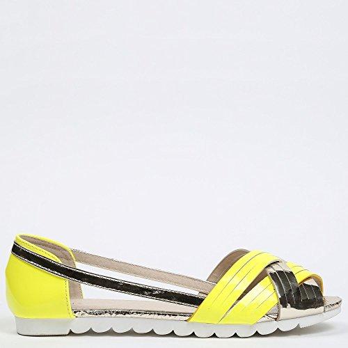 Ideal Shoes - Ballerines semi-ouvertes vernis Violetta Jaune