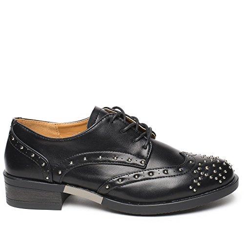 Ideal Shoes - Derbies en similicuir incrustées de clous Tania Noir