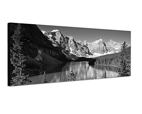Keilrahmenbild Panoramabild SCHWARZ / WEISS 150x50cm Nationalpark Berge Waldsee Bäume Schnee