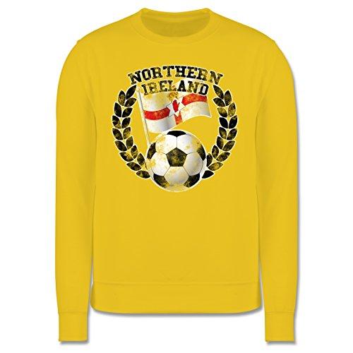 EM 2016 - Frankreich - Northern Ireland Flagge & Fußball Vintage - Herren Premium Pullover Gelb