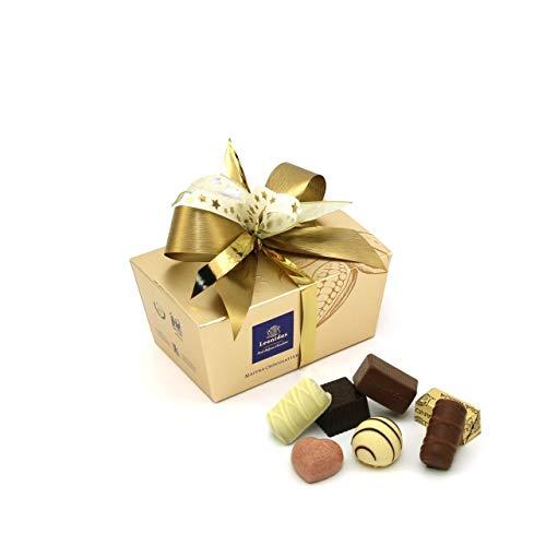 Leonidas Pralinen | 240g handverlesene belgische Pralinen Mischung mit individuell handgefertigter Schleife in goldenem Pralinen Ballotin, ideal als Geschenk oder zum Selbernaschen (Gold) -