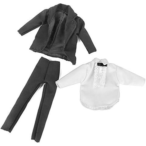 Un Set de Traje para Casa de Muñecas con Camiseta Pantalones Chaqueo