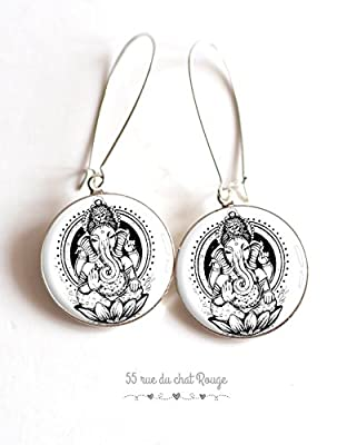Boucles d'oreilles cabochon Dieu hindou, portrait de Ganesh, dieu hindi Ganesh, Inde, Indonésie