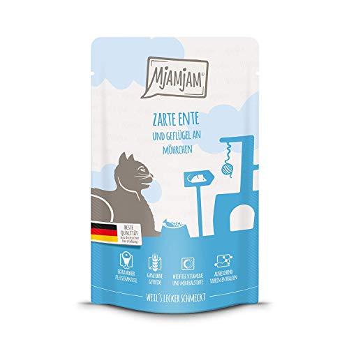 MjAMjAM - Premium Nassfutter für Katzen - Quetschie - zarte Ente & Geflügel an leckeren Möhrchen, 12er Pack (12 x 125 g), getreidefrei mit extra viel Fleisch -