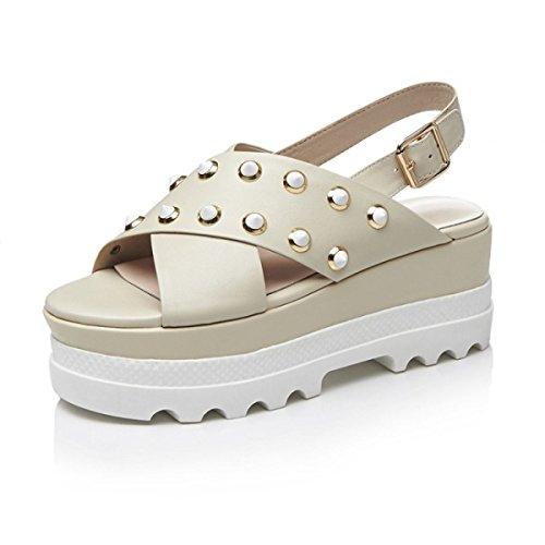Rivets Mode Chaussures De Bouche De Poisson Sandales Femmes Marée Croûte épaisse Muffins Chaussures De Sport Beige