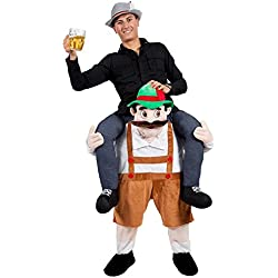 Disfraz a hombros sobre hombre bávaro oktoberfest
