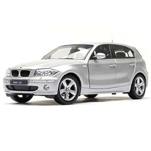 Welly - 2557 - Vehicule Miniature - BMW 1 Series - Echelle 1/18 - Gris