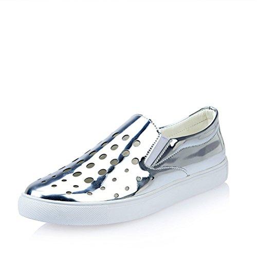 Primavera E Verão Mulheres Oco Deslizamento De Couro Liso Em Legal Planas Sapatos Baixos Moda Confortável Sola Grossa Respirável Tênis De Prata