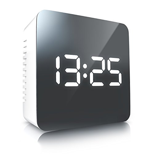 CSL - LED Wecker digital | Reisewecker inkl Temperaturanzeige / Alarmwecker | Spiegelwecker | Innen-Temperaturanzeige | Schlummerfunktion | 12-/24-h-Format | Nachtmodus | 2x Helligkeitsstufen | Intuitive Tasten-Bedienung | grau