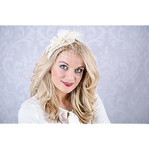 Braut Haarschmuck Wedding bridal styles Blüte Federn ivory Fascinator B43