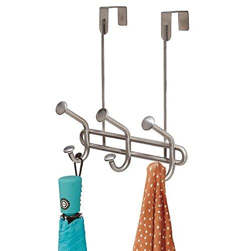 mDesign Perchero de puerta con 3 ganchos dobles – Práctico colgador de ropa de acero inoxidable - Para abrigos y chaquetas o como percha de baño – Sin taladro- Plateado