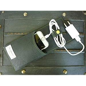 Handyladetasche, Handy direkt an der Steckdose laden, vegan washable paper, handgemacht, schwarz, mit Name personalisierbar I Geschenk-Verpackung