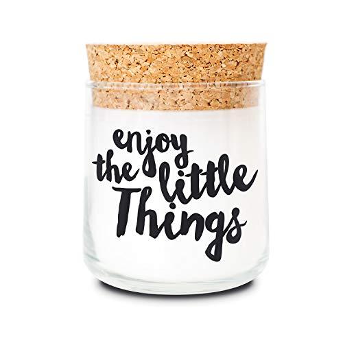Wald Kerze Duft (FEEL GOOD CANDLE - Duftkerze im Glas - Kerze mit Motiv als Geschenk für Frauen und zur Dekoration (Enjoy The Little Things, Sandelholz))