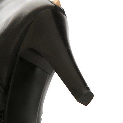 AllhqFashion Damen Hoher Absatz Blend-Materialien Rund Zehe Hoch-Spitze Stiefel Schwarz-Nietbolzen