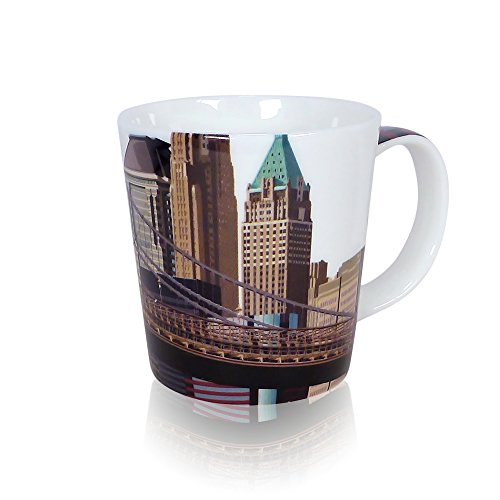 New York Pier 17 Mug by Leslie Gerry