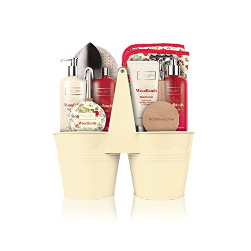 winter-in-venice-woodlands-twin-pots-luxurious-toiletries-infused-with-natural-fruit-and-plant-extra