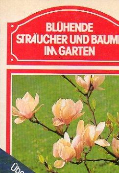 bluhende-straucher-und-baume-im-garten