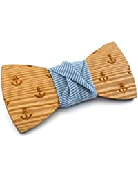 """GIGETTO Papillon in legno (per bambini), fatto a mano con nodo in tessuto a righine celeste. Farfallino accessori moda matrimonio. Cinturino regolabile in stoffa. Edizione limitata serie """"Pattern""""."""