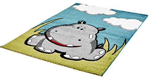 Moderner Kinder Teppich für Mädchen und Jungen Athabasca Kids für das Kinderzimmer Hand Carving -> hochwertige Qualität (080 x 150 cm, niedliches Nilpferd auf grüner Wiese mit Wolken ACK 142 blue)