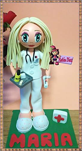 Fofucha muñeca artesana auxiliar de enfermería 35 cms.