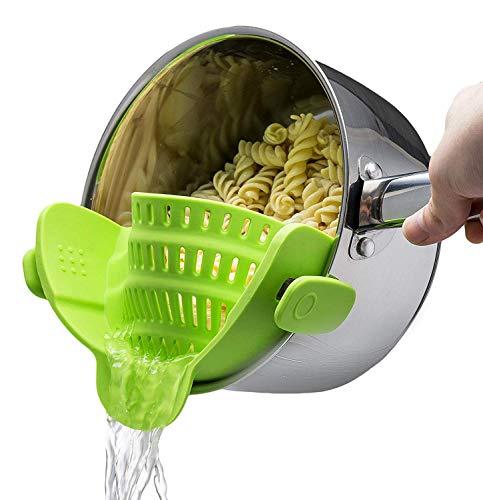 Sachsenmark Abgießhilfe - praktisches Küchensieb passend für alle Töpfe und Pfannen - einfach aufsteckbar für kinderleichtes Abgießen - aus BPA freiem Silikon (Silikon-topf-sieb)