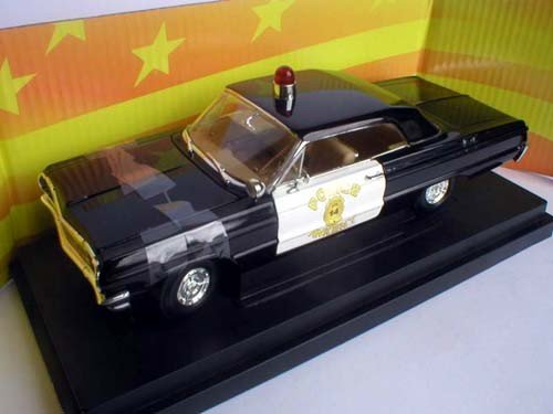 american-muscle-321-1023-chevrolet-1964-impala-police-ankeny-ia-modellauto-118