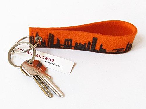 44spaces Design Schlüsselanhänger New York City Loop Wollfilz orange, persönliches Geschenk Frauen Männer Geburtstag Umzug Reise