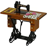 Blesiya 1/12 Scale Vintage Pedal Máquina De Coser Y Tabla Dollhouse Accesorio En Miniatura