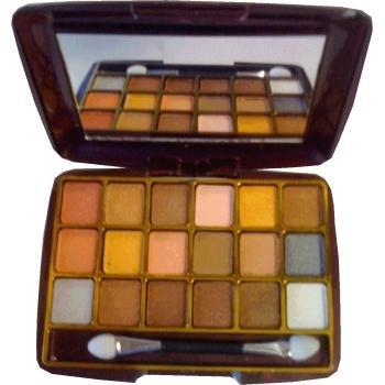 la femme-palette fards a paupieres 18 couleurs
