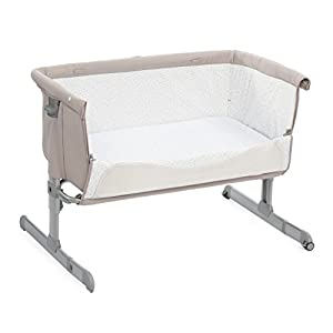 Chicco Next2me Side Sleeping Crib - Chick to Chick Elegant Baby Suitable from newborn for up to 9kg, this Moses Basket uses Easy-care Poly Cotton with a soft padding surround Suitable from newborn to 9 months It also includes a comfortable mattress and an adjustable hood perfect to create a cosy sleeping space for your precious little one 4