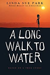 A Long Walk to Water: Based on a True Story by Linda Sue Park (2011-10-04)