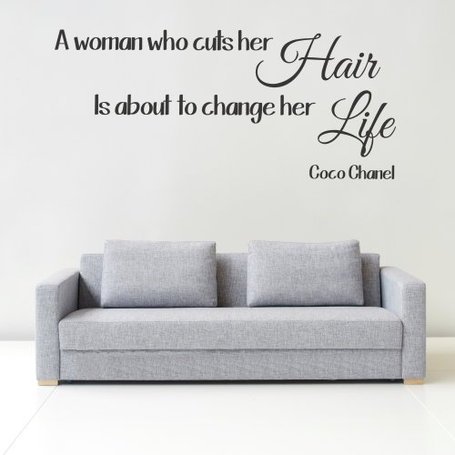 'iClobber eine Frau, die Schnitte Ihr Haar Ist sich Ihr Leben verändern Coco Chanel Zitat Spray Tan Nagellack Art Wand Wandbild Aufkleber Zitat Bild vinyl Art Design Art Wand Wandbild Aufkleber Zitat Bild vinyl Art, dunkelgrün, L
