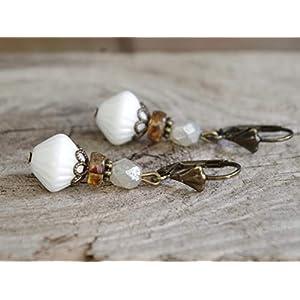 Vintage Ohrringe mit böhmischen Glasperlen - weiß, braun, perlmuttfarben & bronze - Brautschmuck, Brautohrringe, Braut Schmuck, Ohrhänger/Hochzeit