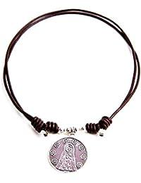 Kokomorocco Medalla Virgen niña de Plata de Ley y Cuero, Collar Ajustable, inscrito por detrás Gracias por cuidarme ; Regalo de cuentecito con Leyenda de la Virgen niña