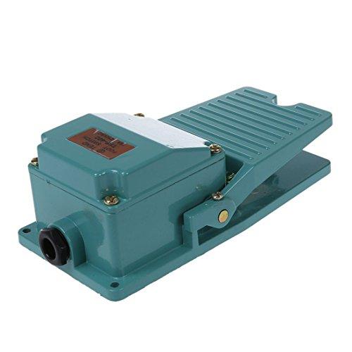 SODIAL(R) AC 250V 15A 1NO 1NC Momentary Pedal Fussschalter mit Kabelverschraubung