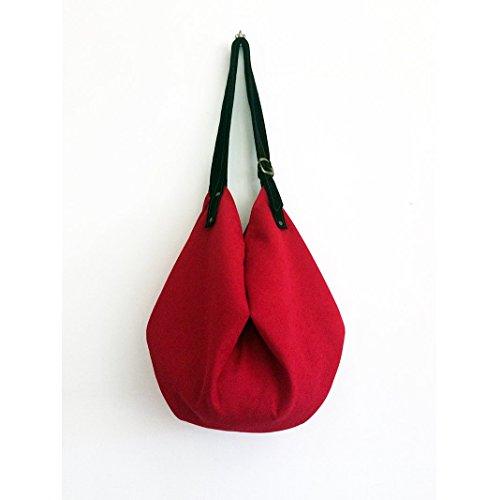 borsa-donna-da-spalla-rossa-con-tracolla-in-pelle-scamosciata-nera-borsa-di-stoffa-limited-edition-b