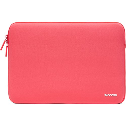 incase-macbook-pro-13-neoprene-classic-sleeve-red-plum
