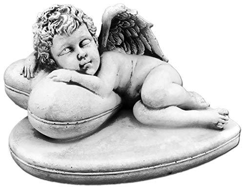 gartendekoparadies.de Massive Steinfigur Engel auf Herz Steinguss frostfest Grabdeko