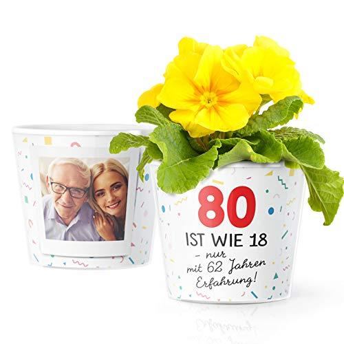 80 Geburtstag Geschenk - Blumentopf (ø16cm) für Frauen und Männer mit Bilderrahmen für 2 Fotos (10x15cm) - 80 ist wie 18, nur mit 62 Jahren Erfahrung