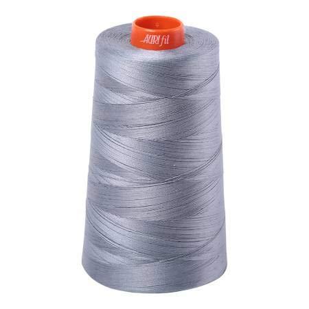 Aurifil 2610 Garn aus 100% Baumwolle, 50 Wt, Kegel 6542 m, Hellblaugrau -