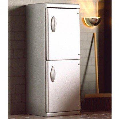 Preisvergleich Produktbild Dolls House Miniatur Maßstab 1: 12. Silber Kühlschrank Gefrierschrank