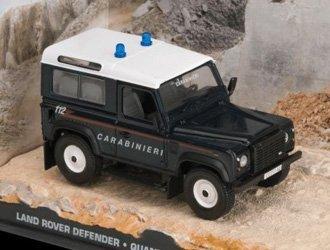 Quantum Vitrine (Land Rover Defender Druckguss Modell Auto von James Bond Quantum of Solace)