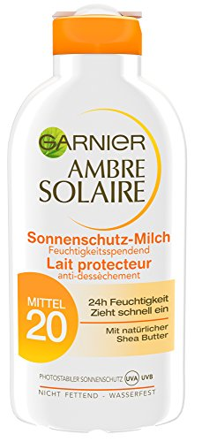 Garnier Ambre Solaire Sonnencreme/Feuchtigkeitsspendende Sonnenschutz-Milch LSF 20, 3er Pack (3 x 200 ml)