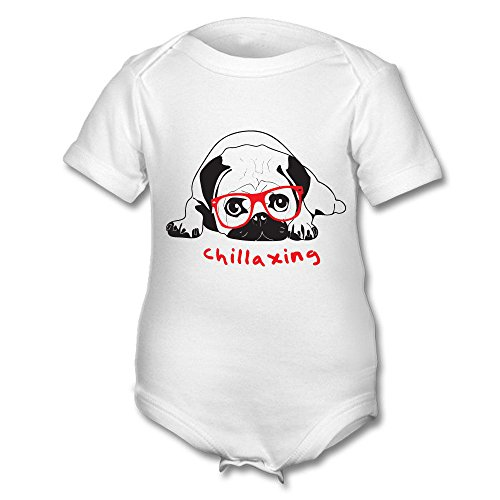 """Baby-Body mit Mops-Motiv und englischsprachiger Aufschrift """"chillaxing"""" (Deutsch: Am Chillen), Rot/Schwarz auf Weiß"""