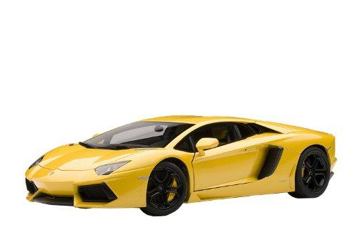 Preisvergleich Produktbild 2011 Lamborghini Aventador LP700-4 [AutoArt 74664], Gelb Metallic, 1:18 Die Cast