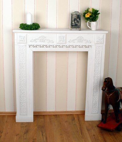 Romantische Kaminumrandung Wandverzierung Kaminrand Kamin Kamindekoration Fur Schone Wohnambiente Ideal