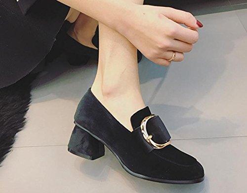 La nuova testa quadrata con un singolo scarpe con fibbia laterale casuale tacchi alti Black