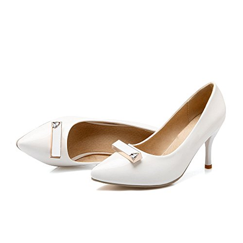 AllhqFashion Damen Lackleder Spitz Zehe Hoher Absatz Ziehen Auf Rein Pumps Schuhe Weiß