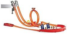 Hot Wheels Pista Super Creazione con Pezzi Connettibili e Intercambiabili per Gare, Include Tanti Accessori e Una Macchinina, Gioco per Bambini di 5 + Anni, Y0276